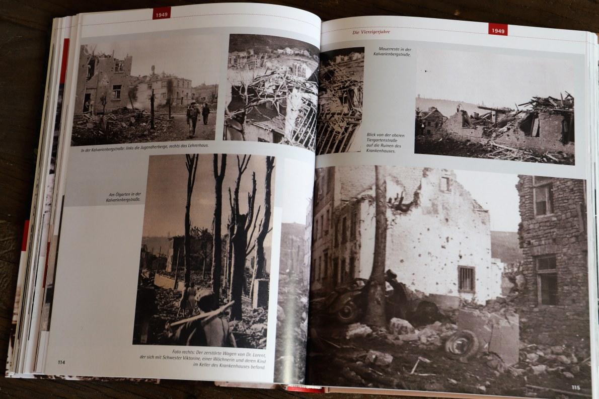 """""""Der 15. Juli 1949 war ein schwüler Sommertag"""" - Monika Rolef (Hg.) beschreibt in ihrem Buch """"Das neue Prüm"""" die Explosionskatastrophe (Fotos: Monika Rolef)"""