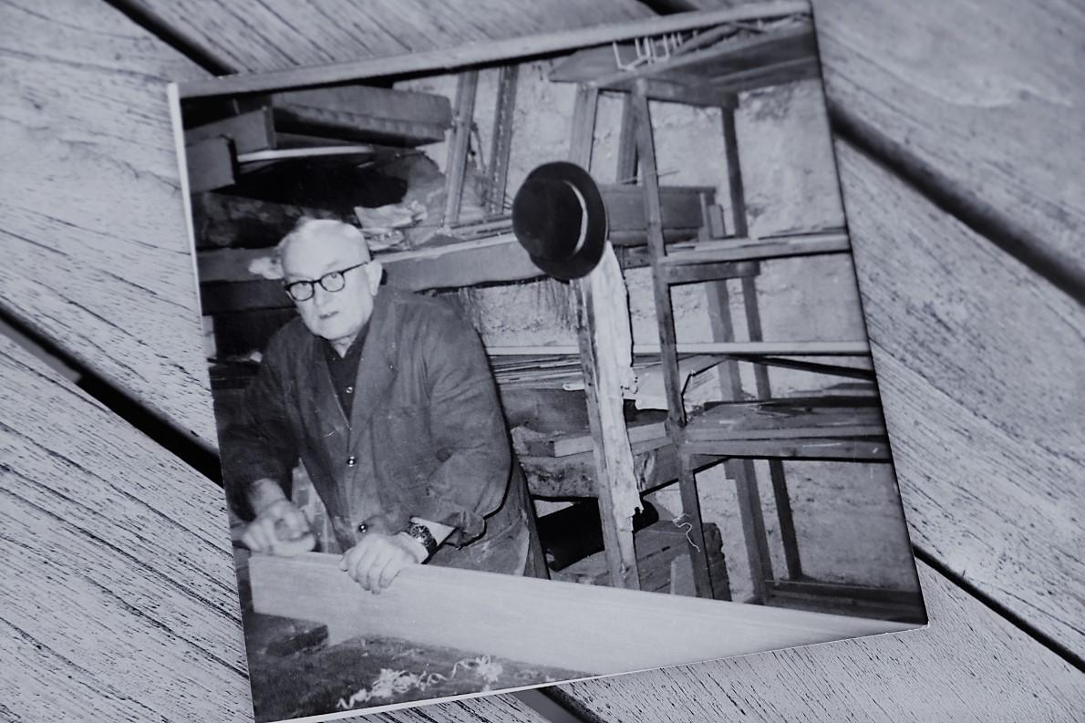 Opa Fritz an seinem Arbeitsplatz. (Foto: Familie Kuckel)
