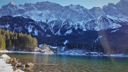 Der Eibsee ist einer der schönsten Bergseen in Bayern. (Foto: Knut Kuckel)